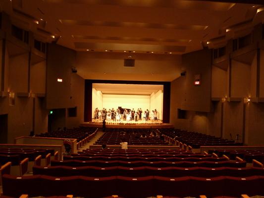 2011年度 メヌエットヴァイオリン教室主催発表会 中区役所ホール